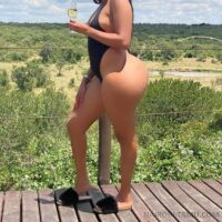 Big Ass Babe in Donholm